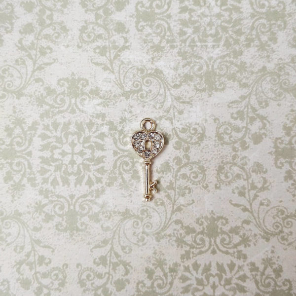 подвеска ключ белое золото стразы