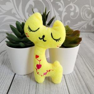 игрушка Кошка 10,5см желтый