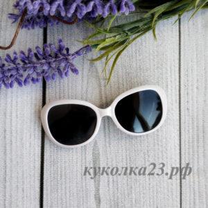 очки пластиковые белые