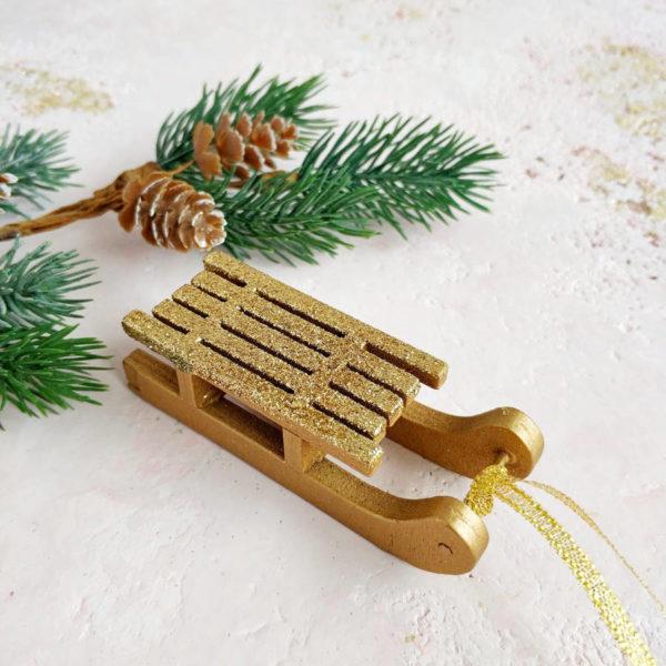 санки деревянные золото