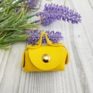 сумка малая на кнопке желтая