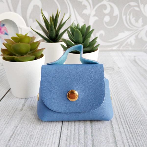 сумка на кнопке голубая