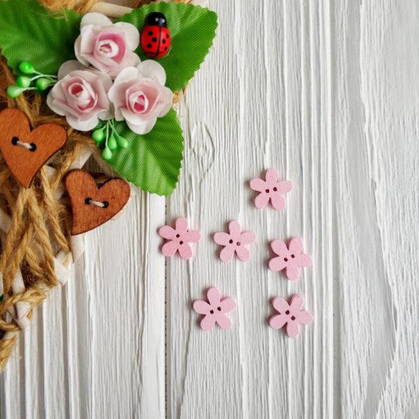 "пуговица деревянная ""Цветок"" розовая"